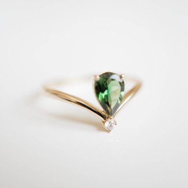 TOP V GREEN TOURMALINE DIAMOND RING - Lilloks - Nordic Design Collective