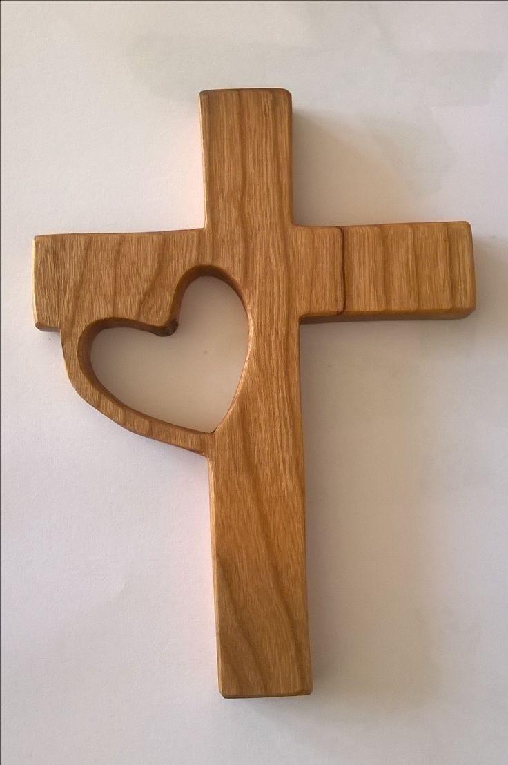 Kruis met hart, kersenhout