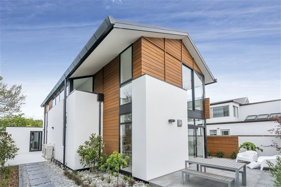 96 Merivale Lane   Harcourts Gold Real Estate