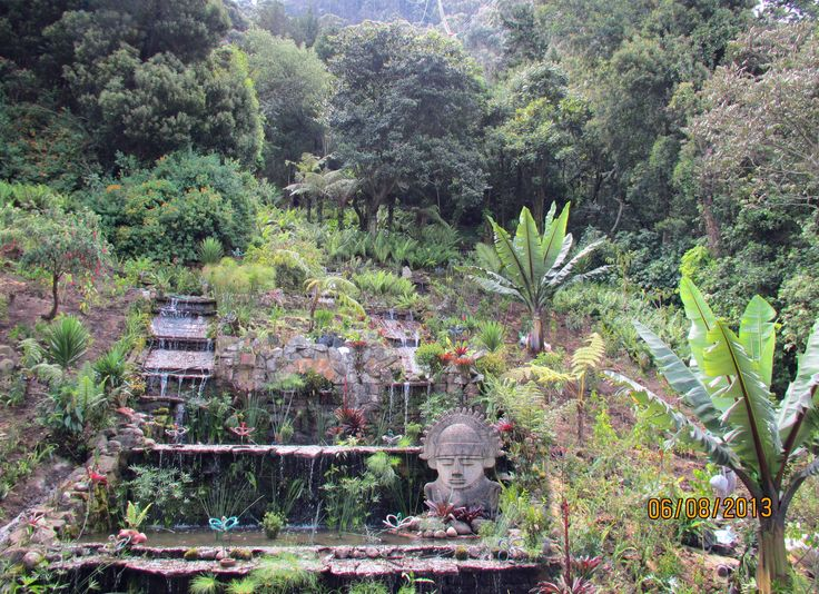 Garden at the base of the teleferico to Montserrate
