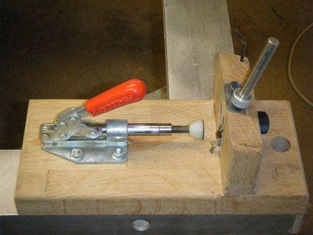 An ever better and cheaper version of the Kreg pocket hole jig.