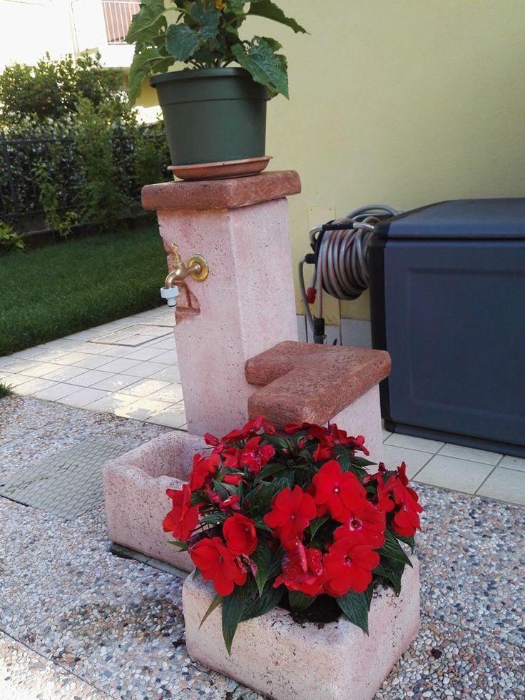 Fontana da giardino Fonte del casale easy e Vaso antico, colore: rosa antico. Località: San Pietro di Lavagno (Verona).
