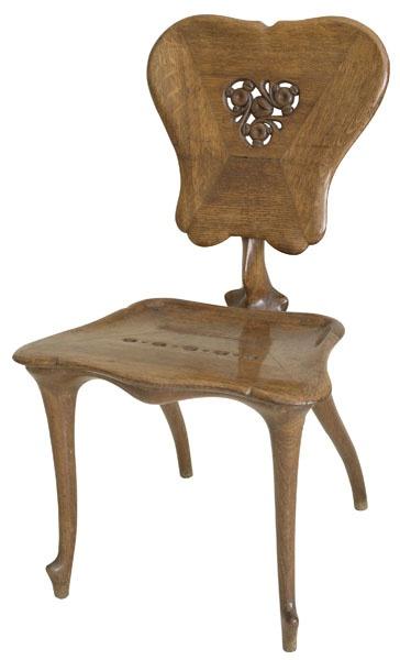 ANTONI GAUDÍ CASAS I BARDÉS WORKSHOP / Upright Chair from Casa Calvet / 1900-1901 / Oak wood with carving