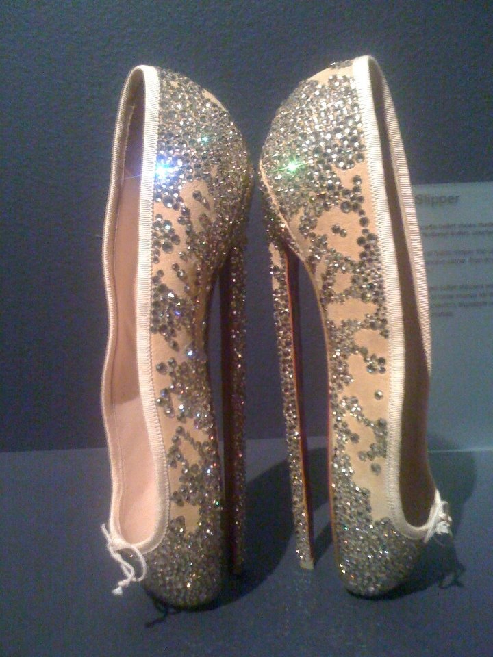 Christian Louboutin@ London's Design Museum. Looks like ballet shoes en pointe from the side but then you see the crazy heels