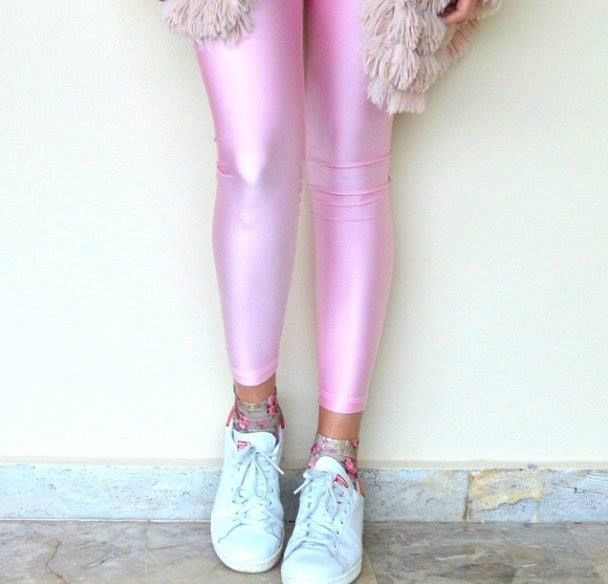 Virginia wearing the baby pink PCP leggings #pcpclothing #pcpleggings