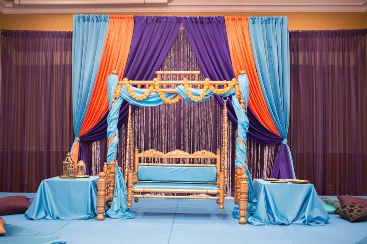 Photographer: Conforti Photography Planner & Designer: Plum & Poppy Weddings Venue: 502 E Event Center & JW Marriott www.plumandpoppy.com #plumandpoppy #weddingplanner #weddingdesigner #pakistaniwedding #southasianwedding #indianapoliswedding #jwmarriottwedding #indianapoliswedding #downtownwedding #mehndi