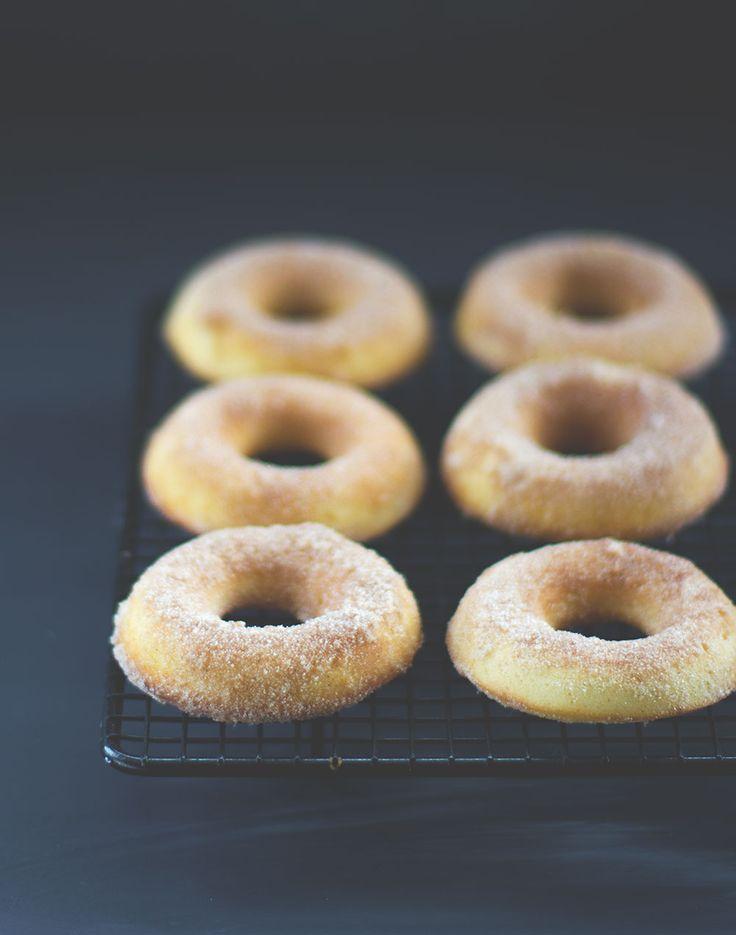Cinnamon Sugar Donuts (Zimt-Zucker-Donuts) zum Gilmore Girls Revival | moeyskitchen.com