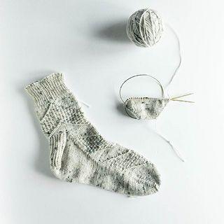 Ravelry: sarijaotto's Speckled Space Socks