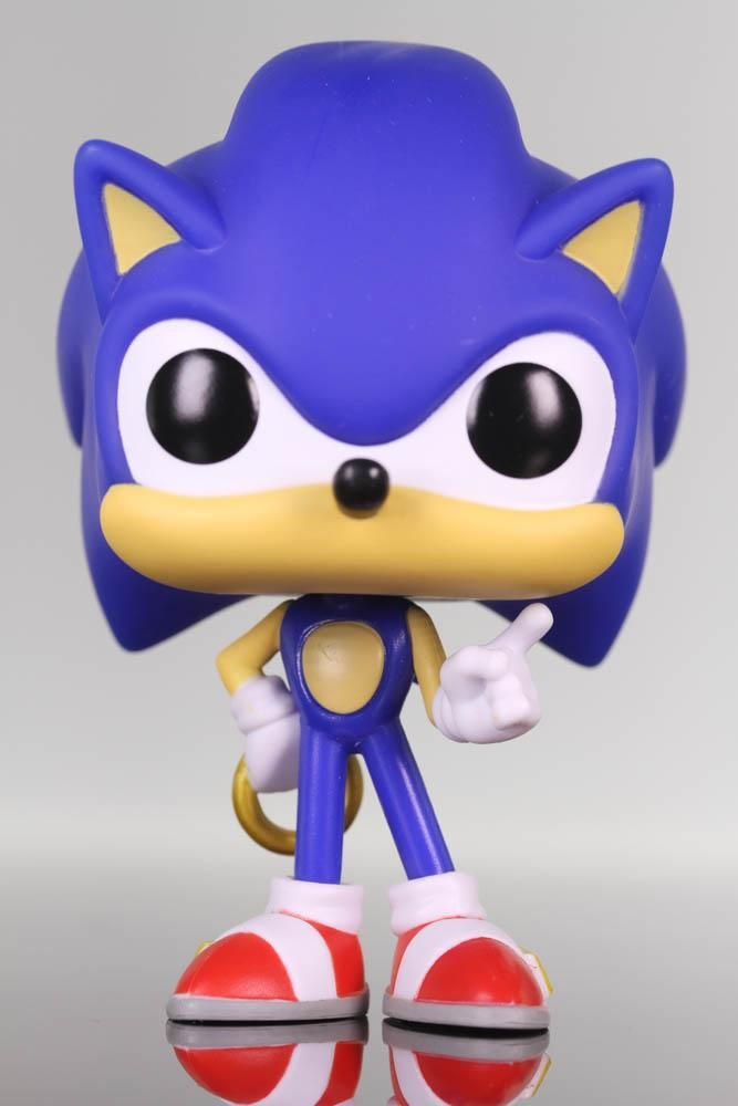a few days away the sale of shoes check out Funko Pop Games, Sonic the Hedgehog, Sonic with Ring #283   Sonic ...