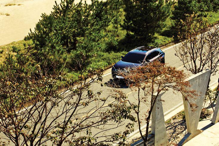 경제활동과 문화적 혜택이 집중된 도시의 편리함은 져버리기 어렵지만 장황한 문장에 쉼표를 찍듯 한 번씩 도시를 벗어나고픈 강한 충동이 썰물처럼 밀려들 때가 있다.    Lexus i-Magazine 다운로드 ▶ www.lexus.co.kr/magazine #Lexus #Magazine #NX300h #NX