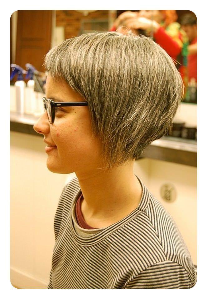 Tagli di capelli asimmetrici e popolari 2019  asimmetrici  capelli  popolari   tagli e7d5f46b276a