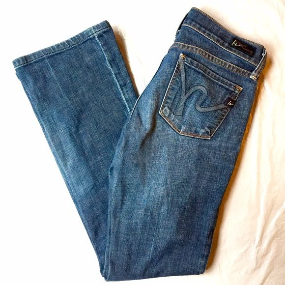 """Like Citizens of Humanity Low Waist Bootcut Like new and no defects. 29.5"""" inseam. Citizens of Humanity Jeans Boot Cut"""
