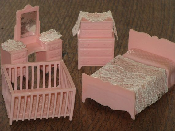Vintage Miniature Pink Dollhouse Furniture Bedroom Set Plastic Bed Dresser Vanity