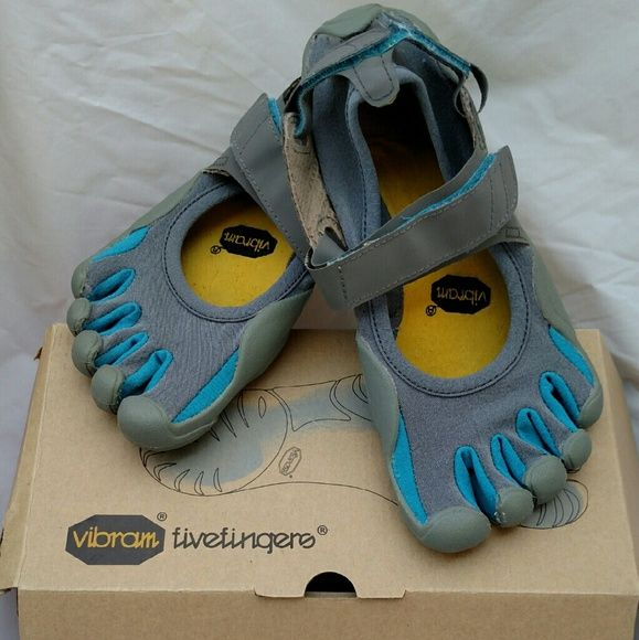 Vibram Fivefingers Barefoot Five Finger Toe Shoes Really nice, box and tag included with shoes. Blue and Gray. Vibram Shoes Athletic Shoes