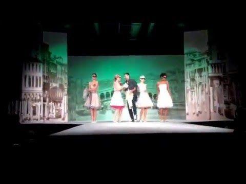 Let`s dance ;-) ! Mit unseren kurzen 50er Jahre Petticoat Brautkleidern kannst du wunderbar wirbeln, siehe selbst! · küss die braut
