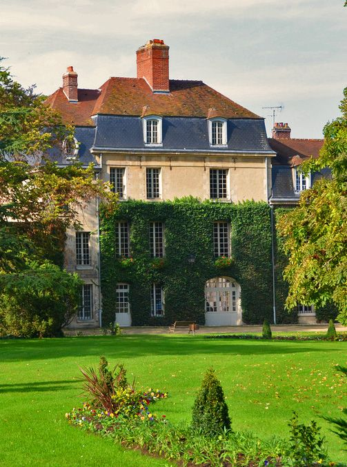 14 best images about royallieu on pinterest gabriel for Balsan france