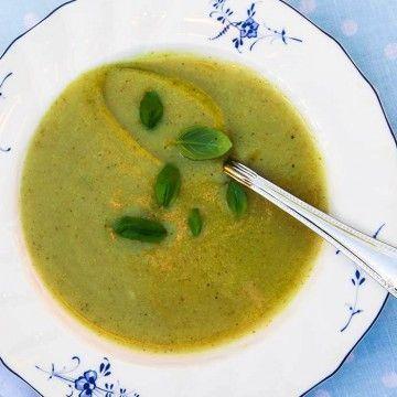 5:2 Blomkål- och broccolisoppa - Recept - Tasteline