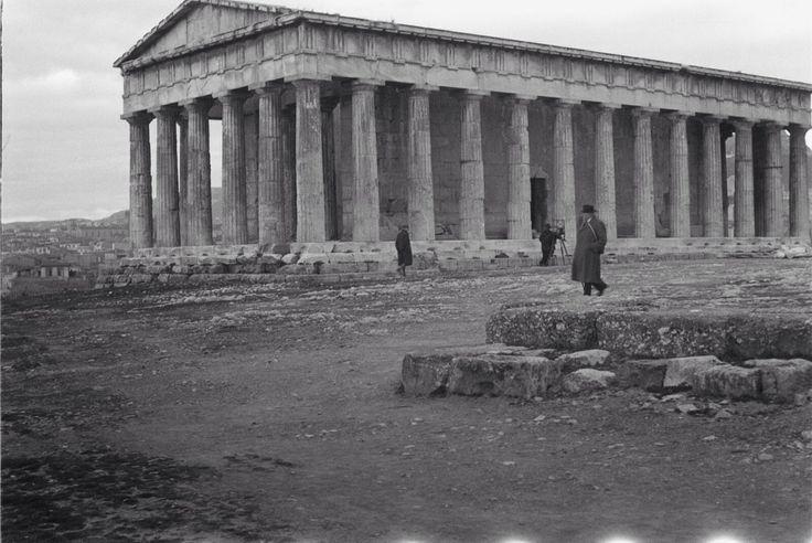 Αθήνα,ο Ναός του Ηφαίστου,1930-35... Φωτογράφος Werner Jorns. Απο Deutsche Fotothek.
