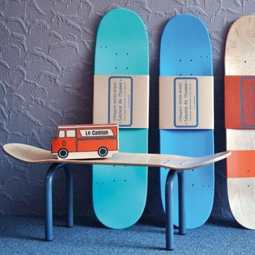 Skateboard bankje Lecons de choses, stoere jongenskamer, skateboard kamer, boyslabel