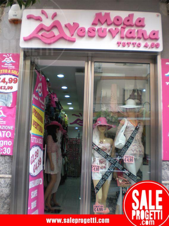 Insegna per negozio di abbigliamento.  www.saleprogetti.com