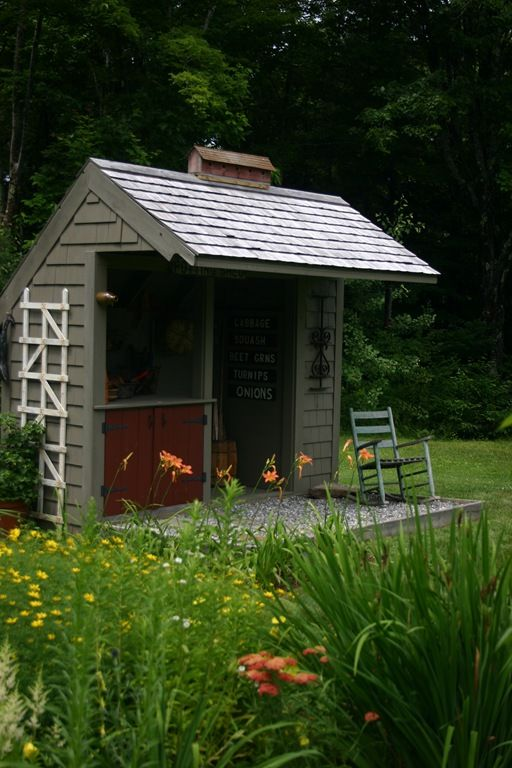 this is what I would like to replace my small shed that is falling down! So cute!