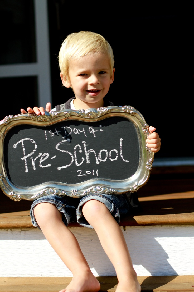 Love the black chalkboard paint on a silver tray for photos.  Definitely doing this!