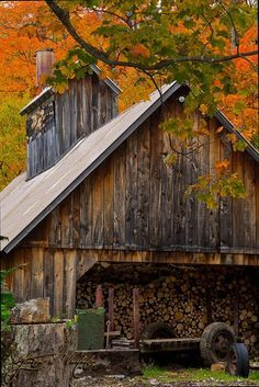 Fall colors bring out the best in old barns