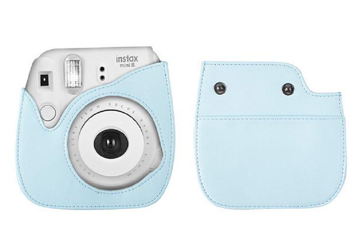 E' arrivata la nuova Fujifilm Instax Mini 8 a sviluppo istantaneo! Nei colori bianco, celeste, giallo, lampone, rosa, nero e blu con il suo design retrò, la #Fujifilm richiama perfettamente le vecchie fotocamere a pellicola di una volta...  Leggi tutto qui 📷