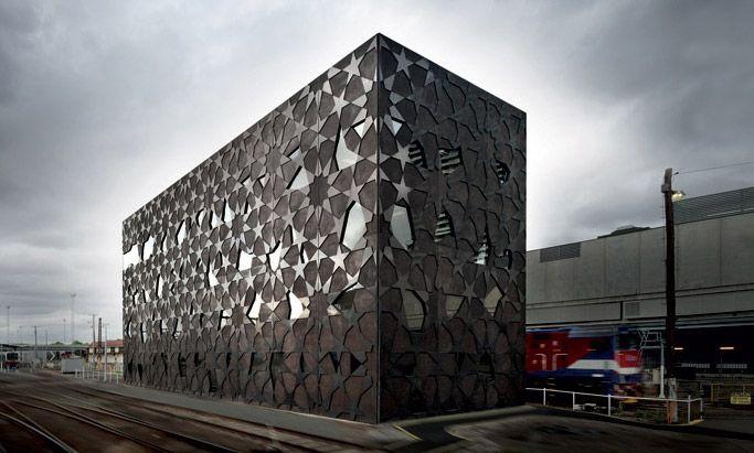 Фасад как произведение искусства http://www.admagazine.ru/arch/99201_fasad-kak-proizvedenie-iskusstva.php  Мы выбрали 9 зданий, чьи фасады могут с легкостью соревноваться с современными арт-объектами.