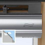 Střešní okno VELUX GZL a GLL - ventilační klapka, větrání i při zavřeném okně.