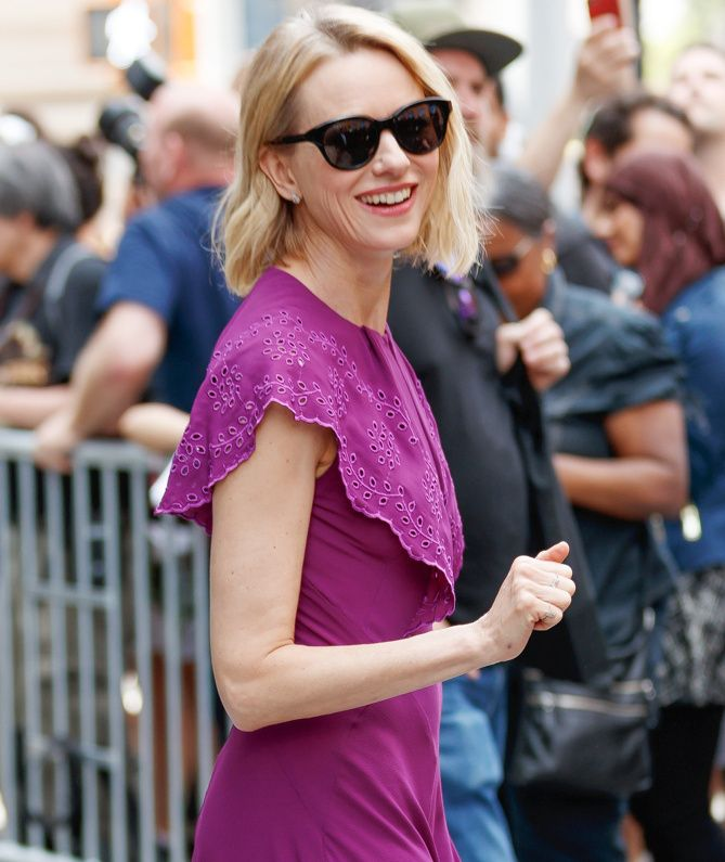 SHADY LADY      Naomi Watts shields herself from the sunny N.Y.C. weather on Thursday.Star Tracks: Saturday, July 1, 2017