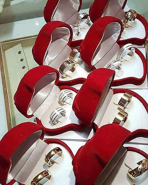 """Não é questão de Sonhar, é questão de realizar!!! ������ """"Silver um toque de imaginação para qualquer estilo """" #instalove #alianças #aliançascompersonalidade #aliançasemsolda #bride #aliançasdecompromisso #love #namorados #namorando #amando #surpreenda #weddingi #surpreendase #show #top #silver #emporio #Jewelry #Jeweller #brilho #estetica #designer #inovaçao #ring #rings #criando #sonhos #eternizando #momentos http://gelinshop.com/ipost/1522473764209463360/?code=BUg6dJ3jpBA"""