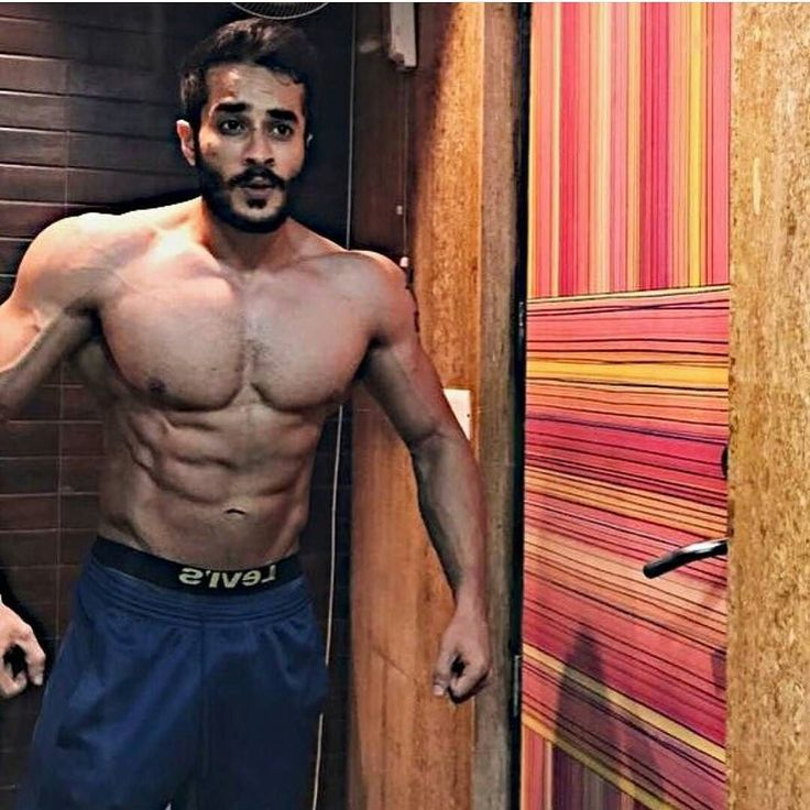 What do you see when you look in the mirror?  #LoveYourSweat with @rishidhawan  Share your journey with us for a chance to win some awesome goodies. Hit the link in our bio for more info!  #FitNut #Workout