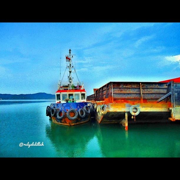 Tug & Barge's #instaquay #ship #vessel #boat #kapal #indonesia #marine #maritime #blue #ocean #sky #iphonesia #webstagram #statigram #tagstagram #instago #instanusantara #instabatam #igers #gang_family #gang_kaskus #followme @rulyabdillah  - @rulyabdillah- #webstagram
