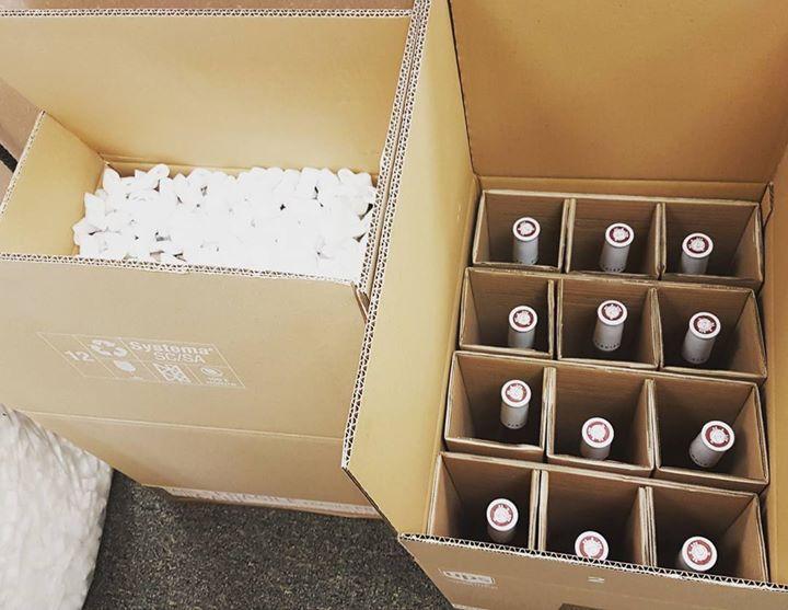 Expédition de #vin en #france en #europe ou a l #international. Nos partenaires nous permettent d'expédier a cote.de chez vous comme a l'autre bou du monde.  #vin #var #mbetoulon #rosewine #shippingworldwide #shipping #wine #usa #hongkong #australia #toulon - http://ift.tt/1HQJd81