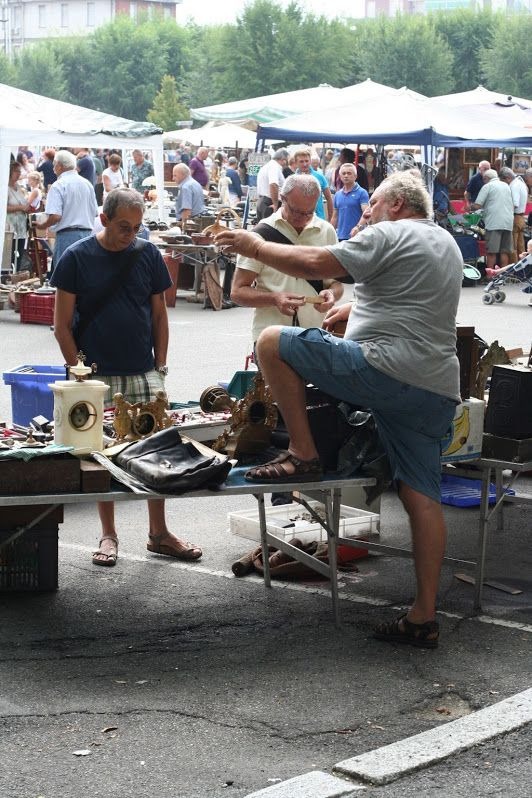 Aggressive sales strategy - antiquarian market, Nizza Monferrato
