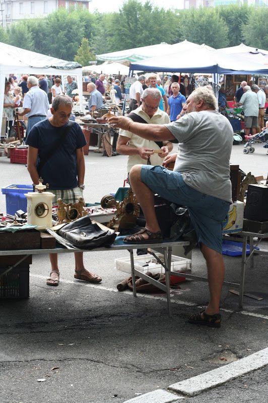 Aggressive sales strategy - antiquarian market, Nizza Monferrato