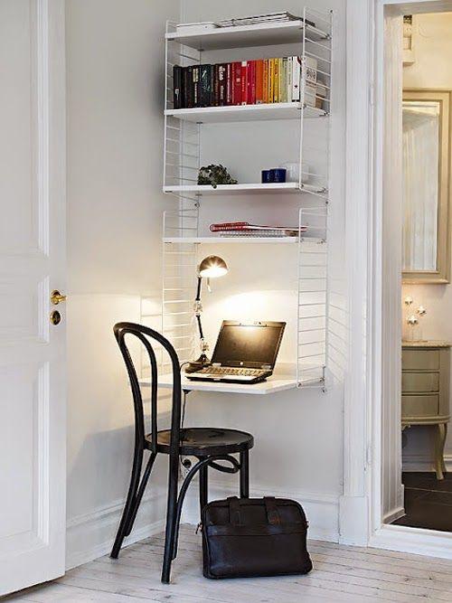 Ideas para espacios pequeños. Aprovechar una estantería como zona de trabajo                                                                                                                                                      Más