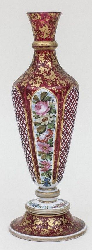 Vase, wohl/probably Wilhelm Hoffmann, Prag/Prague/Karlsbad, Mitte 19. Jh. Material: farbloses Glas mit Zinn-Emailüber- und Goldrubinunterfang, Maße: H. 28 cm,