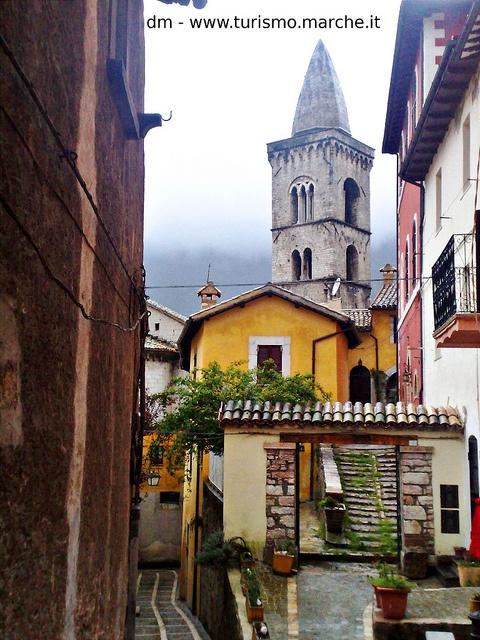 Visso (MC) by Turismo.Marche, via Flickr
