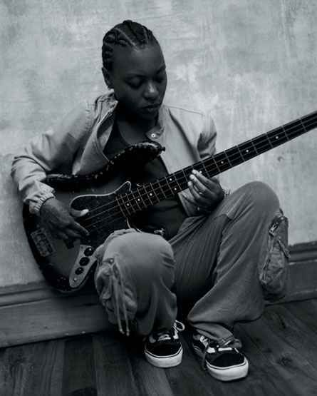 #meshell #ndegeocello Bass | Meshell Ndegeocello - THE BEST funk bass player ever to exist! LOVE THIS WOMAN!!!!!!!