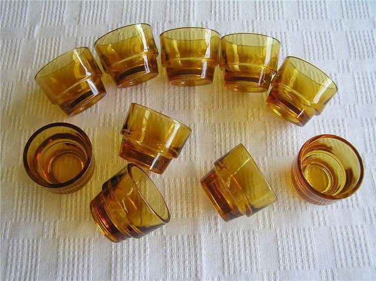 10 orangea äggkoppar 60-tals i glas på Tradera.