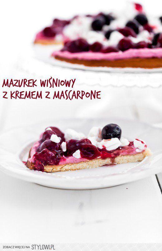 Mazurek wiśniowy 'last minute' z kremowym mascarpone, f… na Stylowi.pl