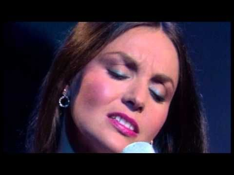 Crystal Gayle - Talking In Your Sleep (with lyrics) - YouTube