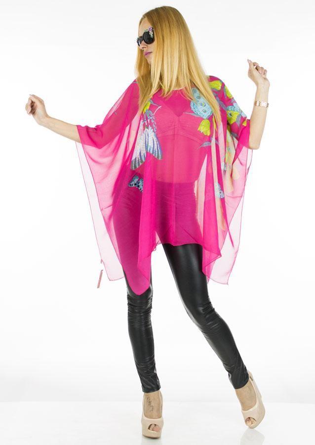 Bluza Dama Pink Bells  -Bluza dama casual stil poncho  -Model lejer ce cade bine pe corp si poate fi purtata cu usurinta in sezonul cald  -Detaliu imprimeu indraznet     Compozitie: 100%Poliester