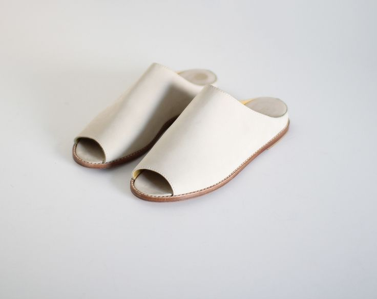 Not necessarily wud wear in white. But    other colors. I love mules. They r my summer go-to shoe!