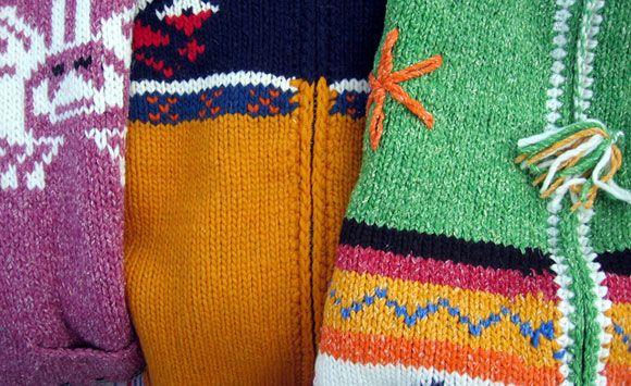 8 Cara merawat pakaian rajut untuk Anda. Baca tips'nya supaya pakaian rajut yang Anda miliki awet dan tahan lama