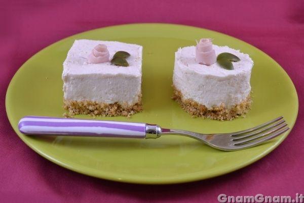 Cheesecake salato al prosciutto | Le ricette di GnamGnam