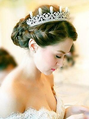 I want exactly this!!!  marian rivera wedding hair - Google Search