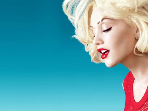 Gwen StefaniMusic, Colors Combos, Blondes Hair, Gwenstefani, Gwen Stefani, Style, Blonde Hair, Red Lips, Beautiful People
